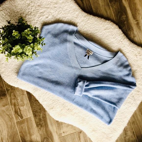 🐠baby blue top 🐠